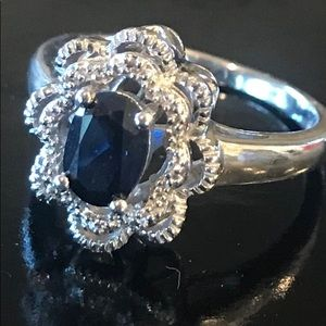 Lovely blue sapphire & diamond halo ring size 7